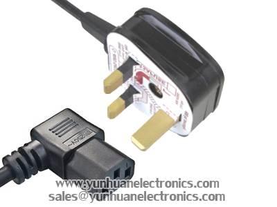 UK BS 1363 Plug Y006 ST3-W